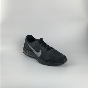 Nike Max Dynasty 2 Size 10 852430-003